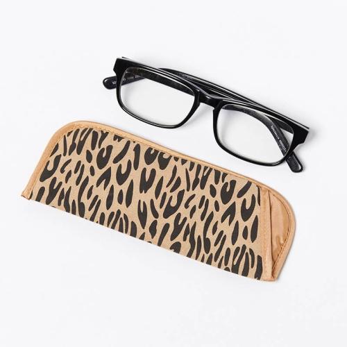 Single-Glasses-Slip-Pouch-Beige-Leopard