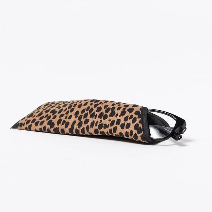 Single-Glasses-Slip-Pouch-Black-Cheetah-Front-View