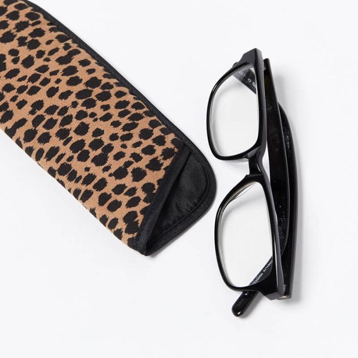Single-Glasses-Slip-Pouch-Black-Cheetah-Glasses-Out