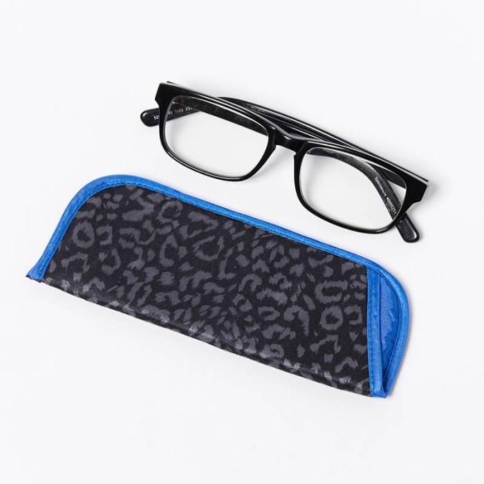 Single-Glasses-Slip-Pouch-Grey-Leopard