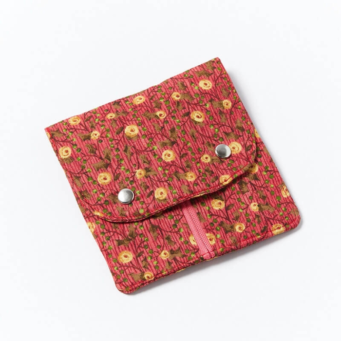 Fem-Pack-Gold-Flower-Closed